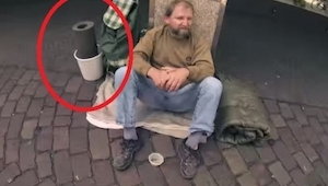 Preguntó a un sin techo si le dejese prestado ESTA cosa. Lo que sucedió luego es