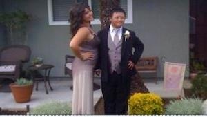 Un chico con el síndrome de Down  invitó a un baile a una muchacha. Lo que ella