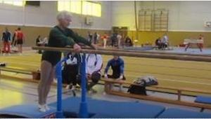 ¡Esta mujer de 86 años participa en campeonatos! ¡Lo que pasa en el segundo 11 d