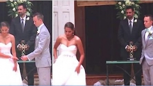 Estaban a punto de casarse cuando... dejó a su novio solo y se fue. ¡No vais a c