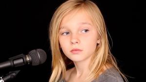 ¡Cuando canta, cuesta creer que tiene sólo 11 años! ¡Vaya voz!