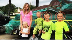 Dejó a sus dos hijos solos por sufrir un terrible dolor del ovario. Cuando volvi