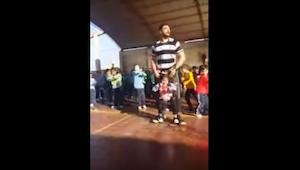 Una niña minusválida no quería sentirse arrinconada durante un concurso escolar
